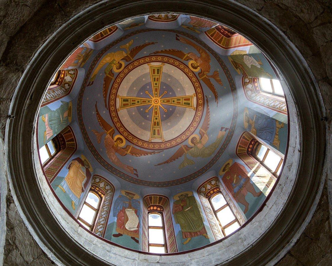 Вознесение Святого Креста. Фреска монастыря Моцамета, Грузия.