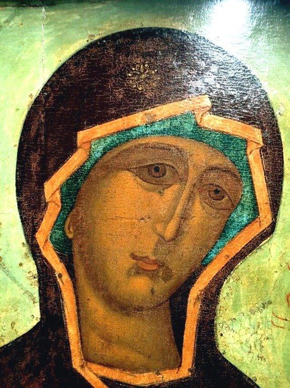 Тихвинская икона Божией Матери. Москва, XVI век. Фрагмент.