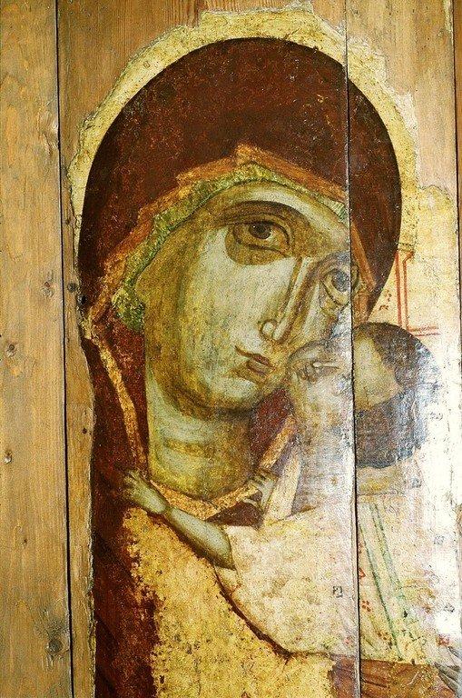 Чудотворная Подкубенская икона Божией Матери. XIV век. Фрагмент.