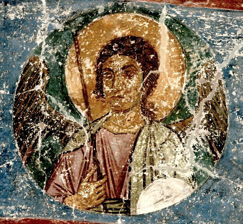 Архангел. Фреска Спасо-Преображенского собора Мирожского монастыря в Пскове. Около 1140 года.