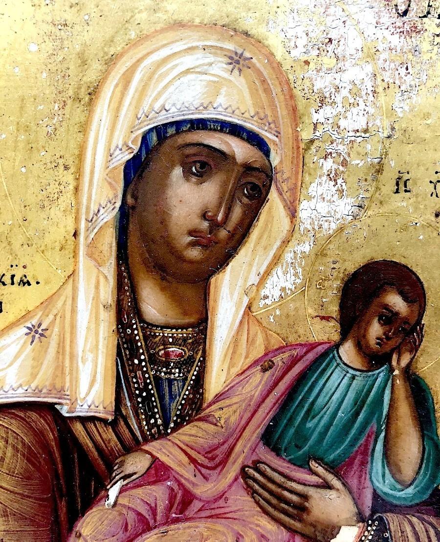 Старорусская икона Божией Матери. Фрагмент.