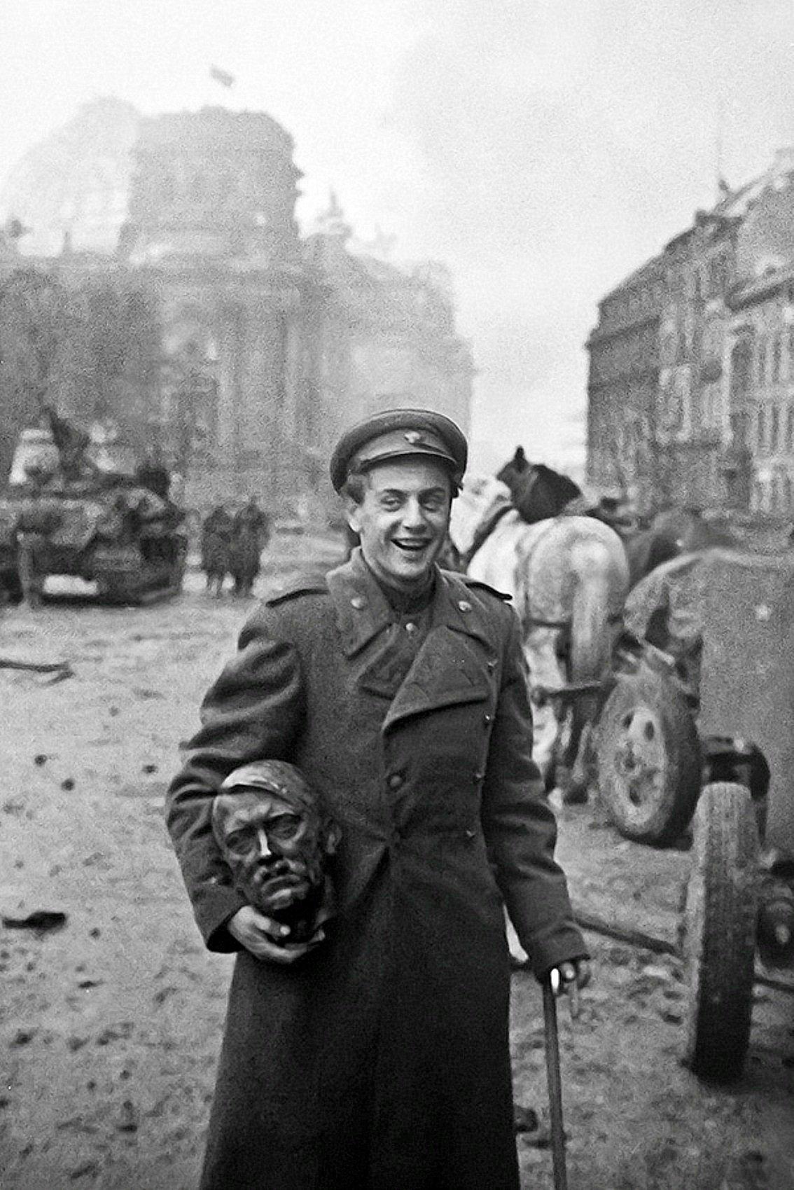 Фотография Е. Халдея (1917 - 1997) Фотохудожник Победы (45)