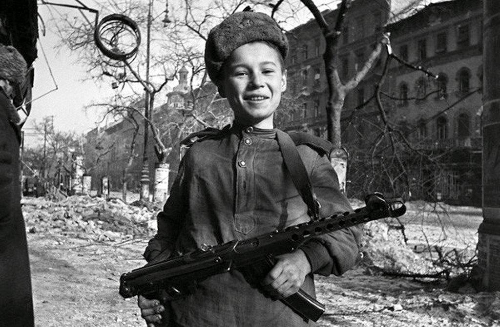 Фотография Е. Халдея(1917 - 1997)Фотохудожник Победы (61).