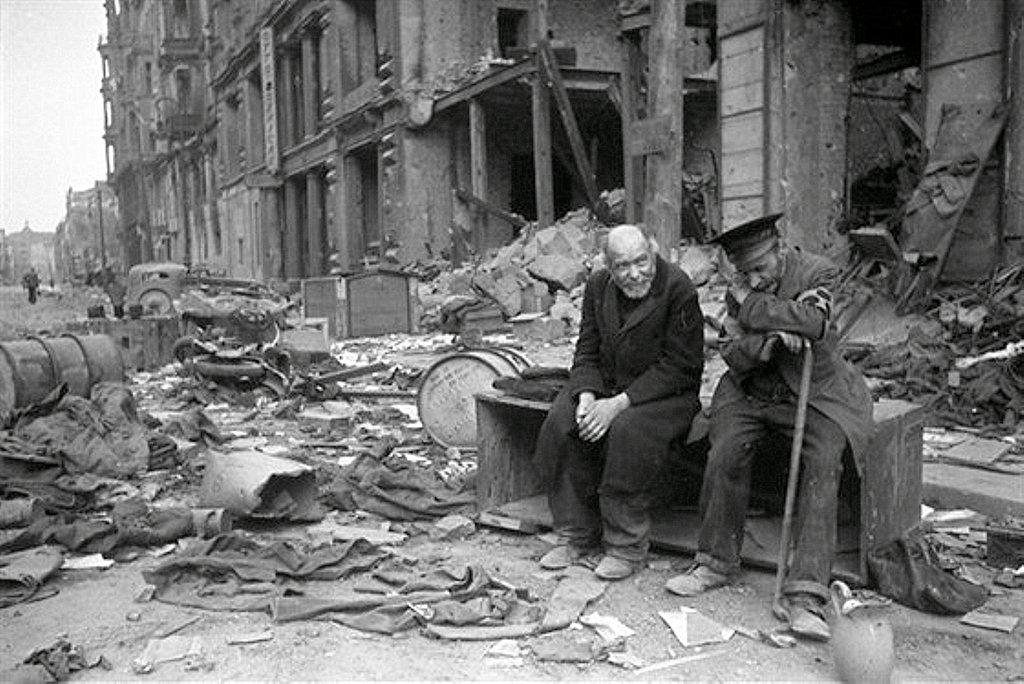 Фотография Е. Халдея(1917 - 1997)Фотохудожник Победы (65).