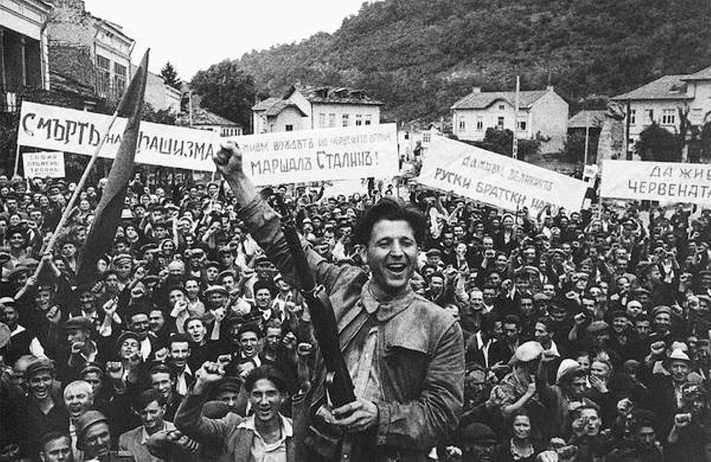 Фотография Е. Халдея(1917 - 1997)Фотохудожник Победы (68).