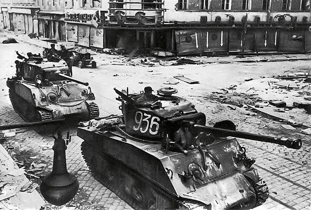 Фотография Е. Халдея(1917 - 1997)Фотохудожник Победы (67).