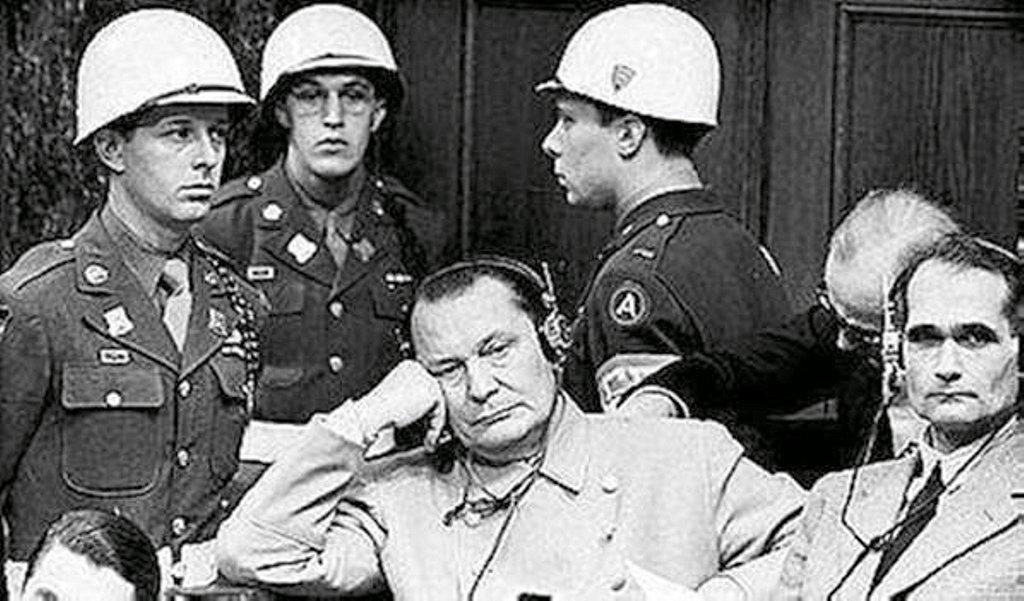 Фотография Е. Халдея(1917 - 1997)Фотохудожник Победы (76)