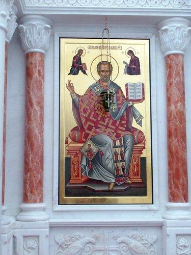 Храмовый образ в иконостасе Никольского храма