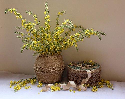 композиция с желтыми цветами