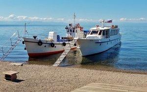 В порту Листвянки