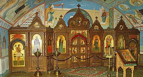 Церковь Михаила Архангела в Черниговском скиту (пещерная), иконостас.
