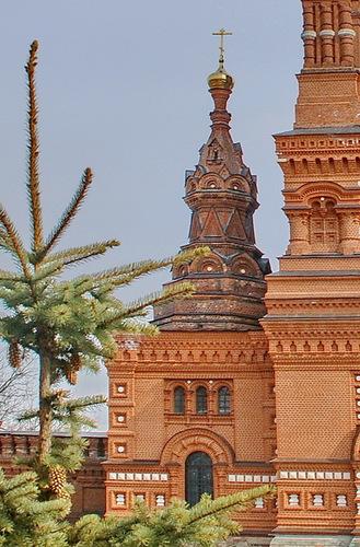 Церковь Константина и Елены при колокольне Черниговского скита