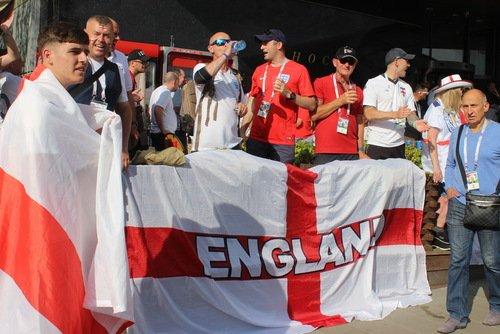 Англичане спокойно выпивают