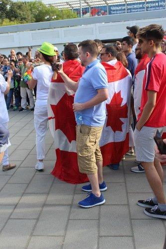 Канадцы жертвуют хоккеем