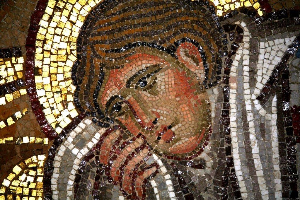 Преображение Господне. Мозаика монастыря Дафни близ Афин. Вторая половина XI века. Фрагмент. Святой Апостол Иоанн Богослов.
