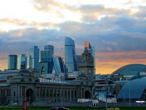 Киевский вокзал и Москва-сити