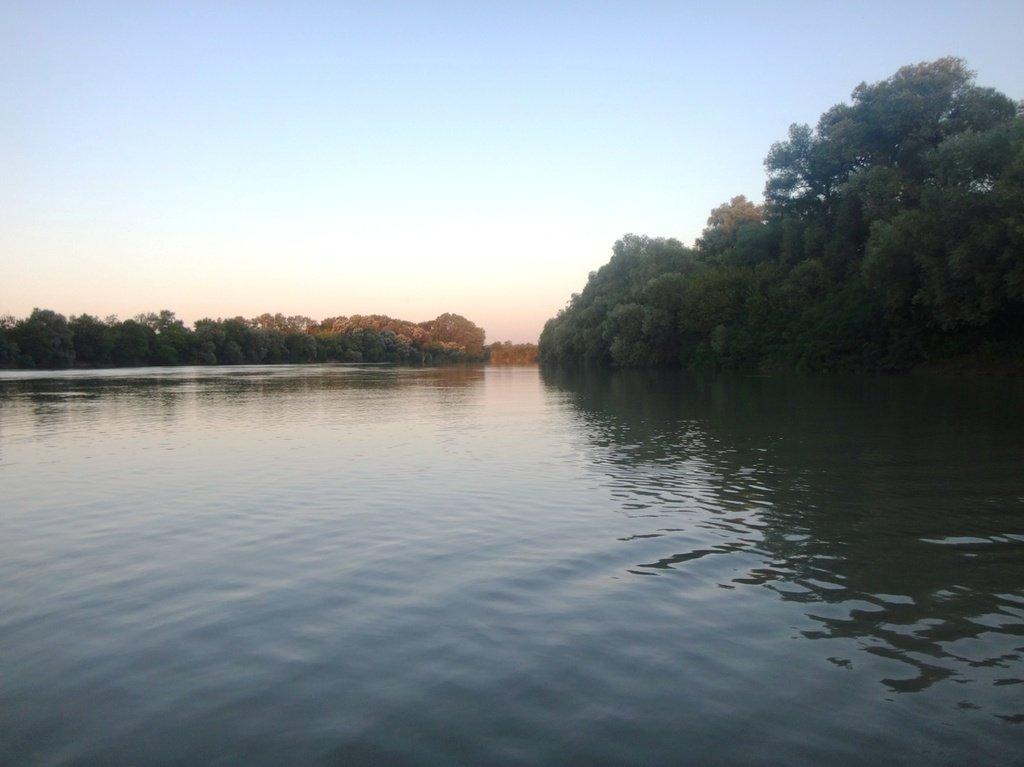 В походе, на реке Кубань 010