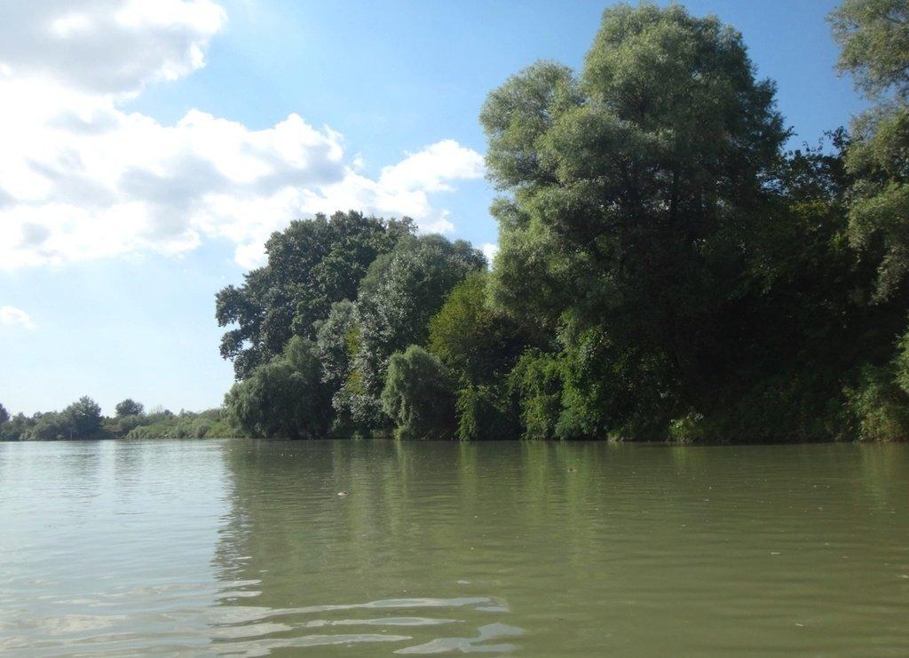 В походе, на реке Кубань 008