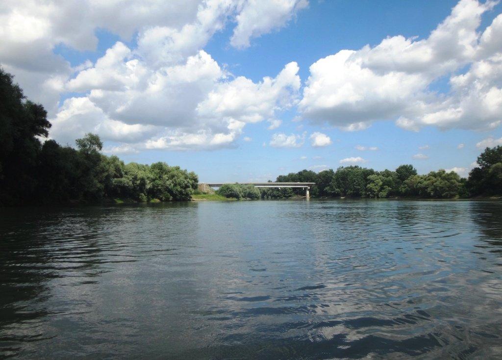 В походе, на реке Кубань 001