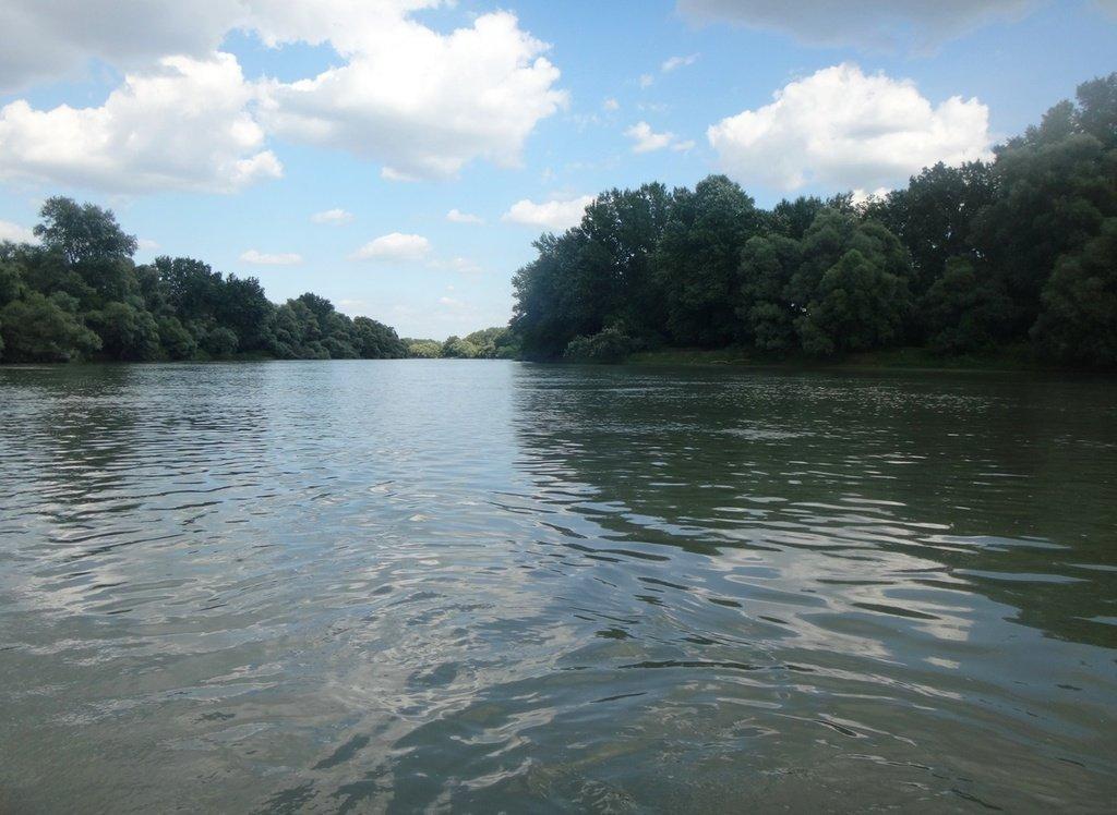 В походе, на реке Кубань 007