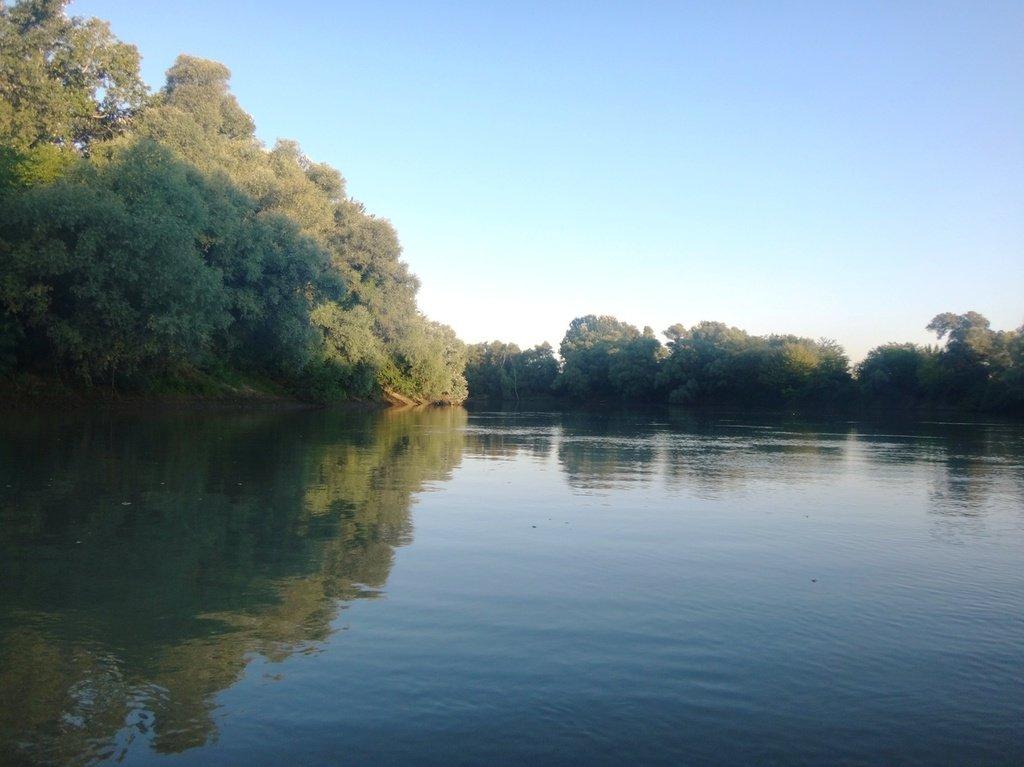 В походе лодочном... август, река Кубань 002 010