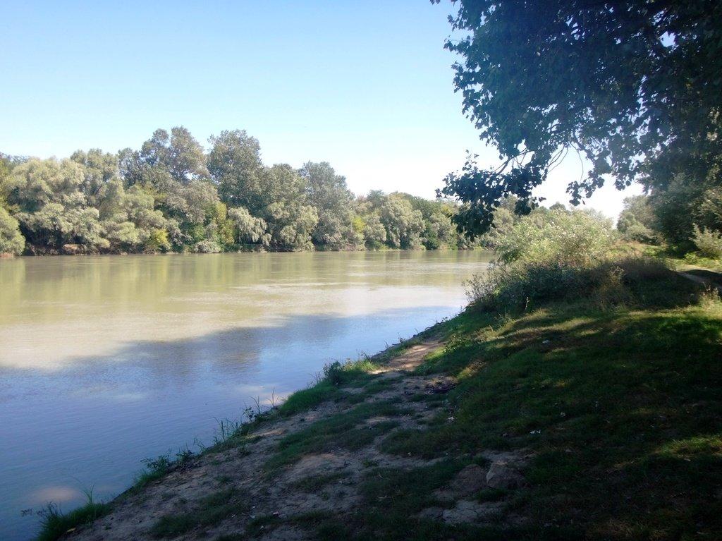 В походе лодочном... август, река Кубань 002 005