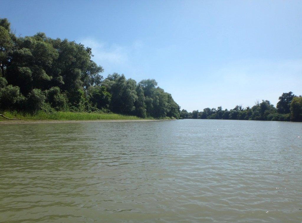В походе лодочном... август, река Кубань 004 008