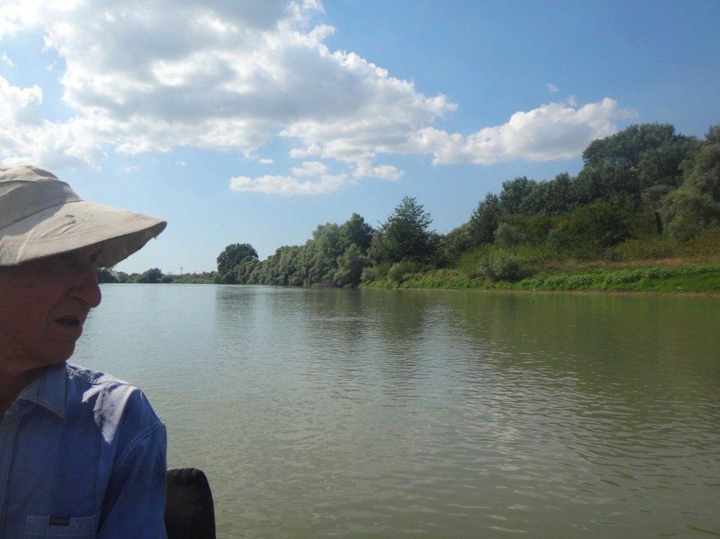 В походе лодочном... август, река Кубань 005 008
