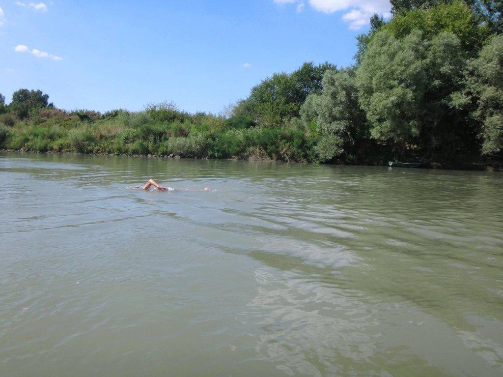 В походе лодочном... август, река Кубань 006 001