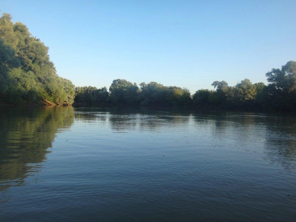 В походе лодочном... август, река Кубань 007 008