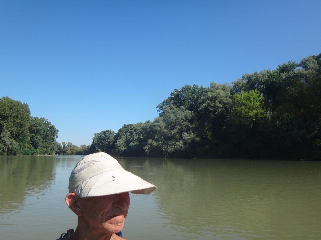 В походе лодочном... август, река Кубань 011 002