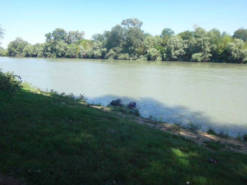 В походе лодочном... август, река Кубань 011 010