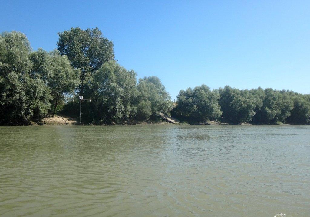 В походе лодочном... август, река Кубань 011 006