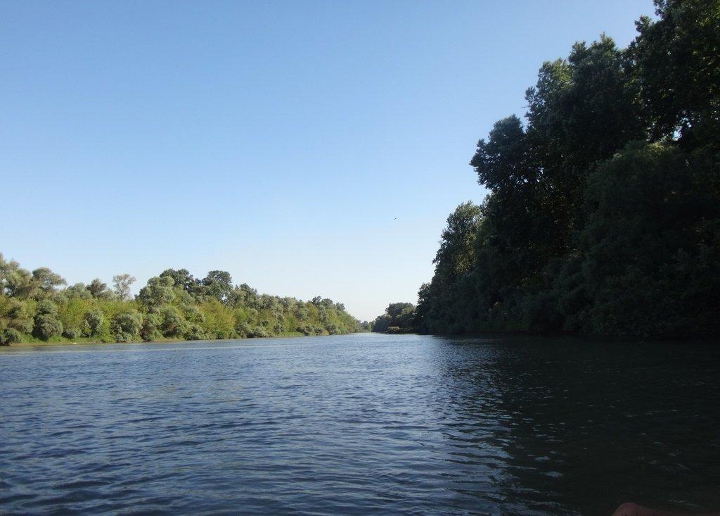 В походе лодочном... август, река Кубань 017 003