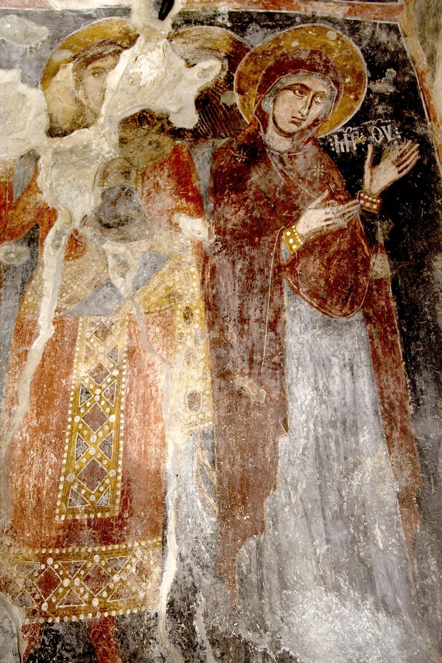 Пресвятая Богородица и Архангел. ФрескаНузальской церкви (Северная Осетия). Конец XIII - начало XIV века.