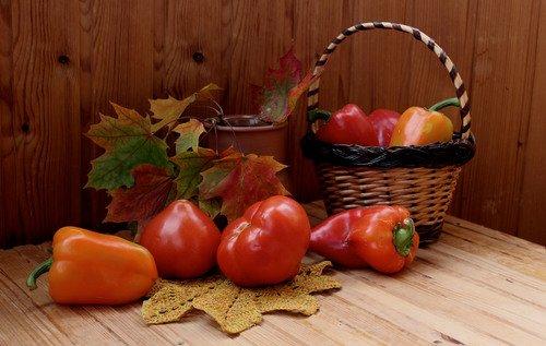 с помидорами и перцем