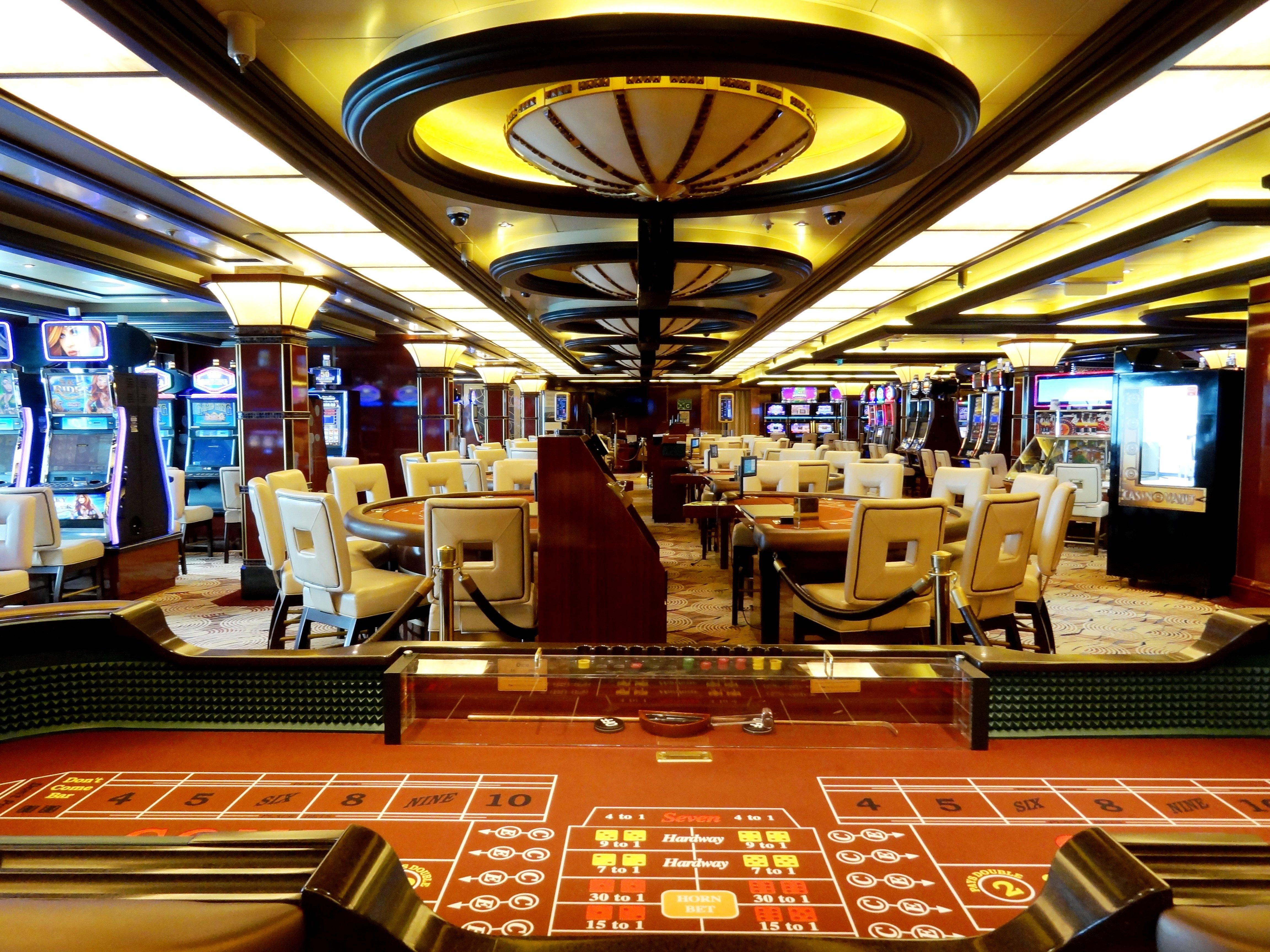 фото Лайнерах работа на круизных в казино