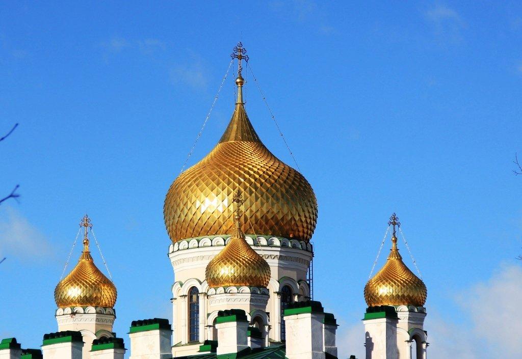 Купола Воскресенского собора
