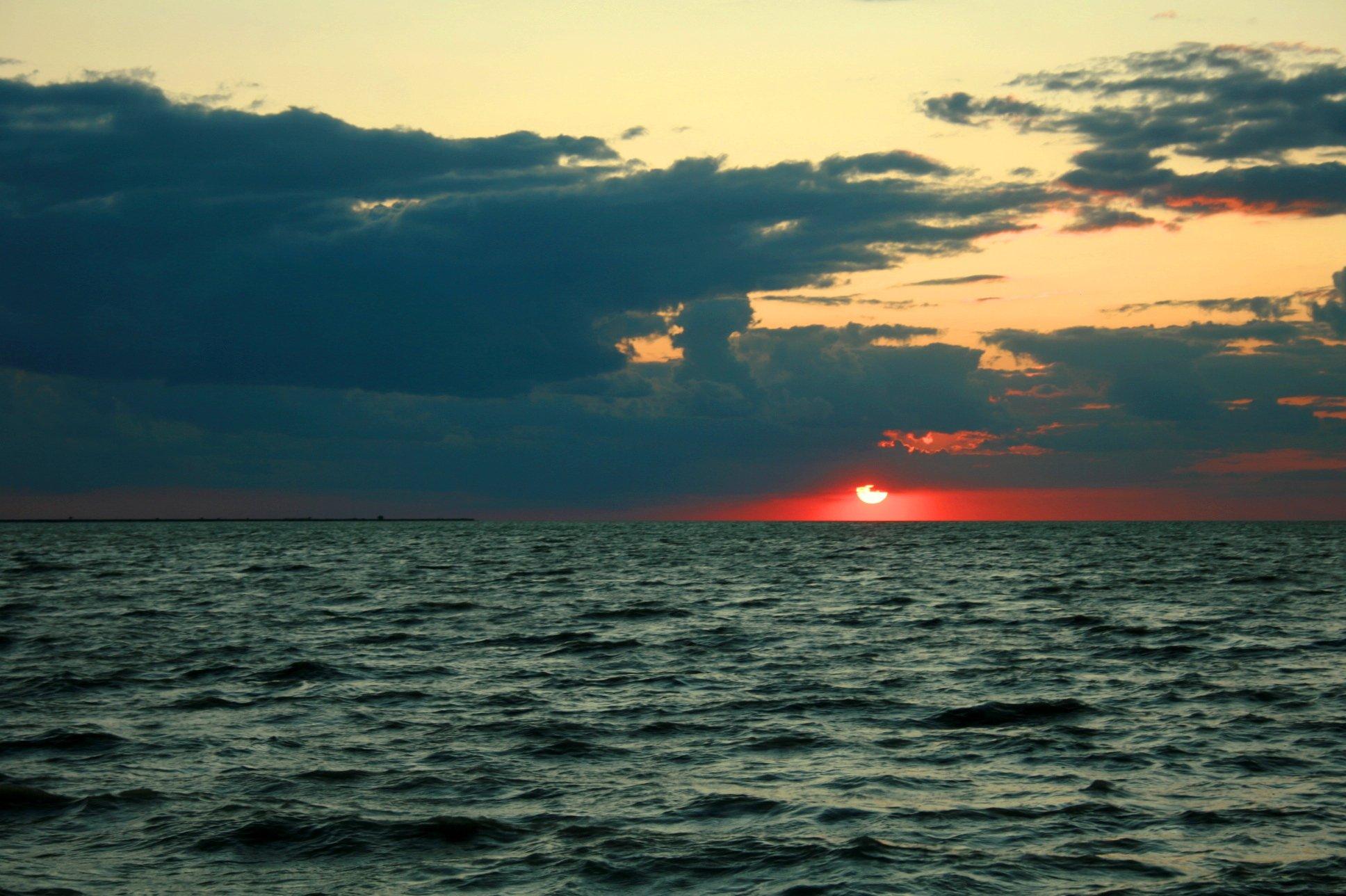 Закаты на черном море фото