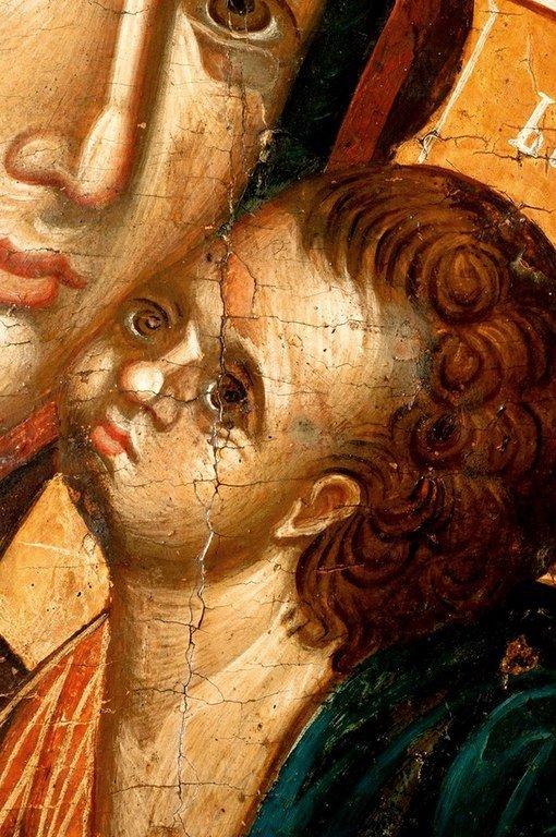 Мати Божия Милостивая. Балканская икона конца XIV века. Фрагмент.