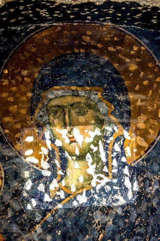 Пресвятая Богородица с Младенцем. Фреска церкви Богородицы Левишки в Призрене, Косово, Сербия. Около 1310 - 1313 годов. Иконописцы Михаил Астрапа и Евтихий. Фрагмент.