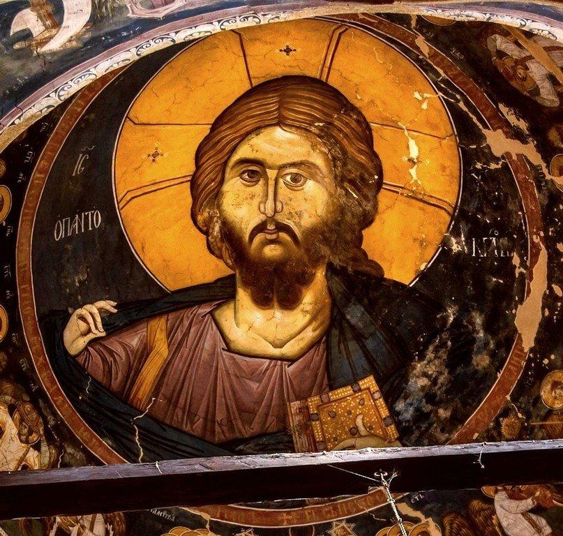 Христос Пантократор. Фреска купола церкви Богоматери Одигитрии в монастыре Печская Патриархия, Косово, Сербия. 1330-е годы.