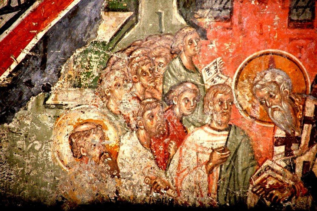 Успение Святителя Иоанникия II, Патриарха Сербского. Фреска церкви Святых Апостолов в монастыре Печская Патриархия, Косово, Сербия. Около 1355 года. Фрагмент.
