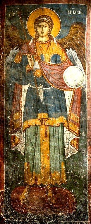 Архангел Михаил. Фреска притвора монастыря Печская Патриархия, Косово, Сербия. XIV век.