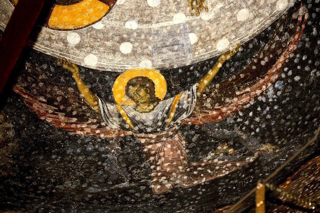 Вознесение Господне. Фреска купола церкви Святых Апостолов в монастыре Печская Патриархия, Косово, Сербия. 1260 - 1263 годы. Фрагмент.