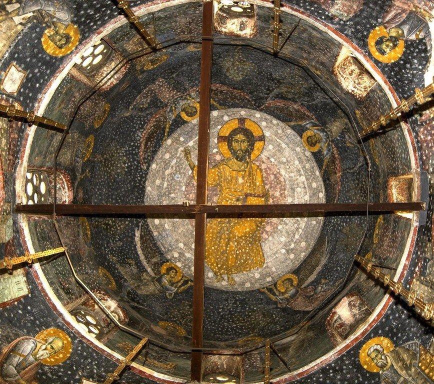 Вознесение Господне. Фреска купола церкви Святых Апостолов в монастыре Печская Патриархия, Косово, Сербия. 1260 - 1263 годы.