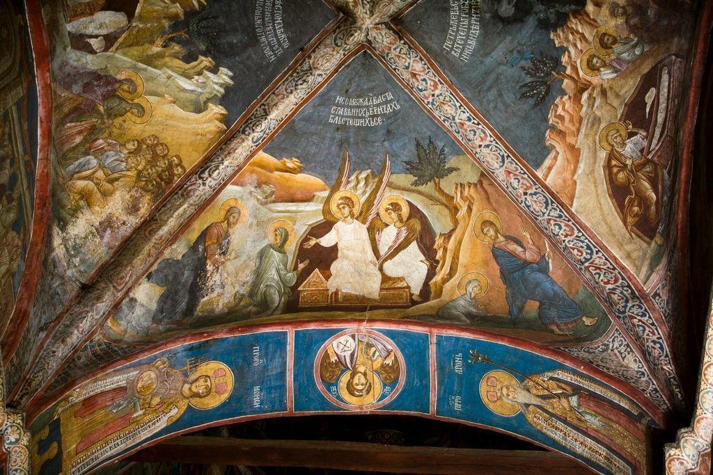 Святая Мироносица Равноапостольная Мария Магдалина у Гроба Господня. Фреска монастыря Высокие Дечаны, Косово, Сербия. Около 1350 года.