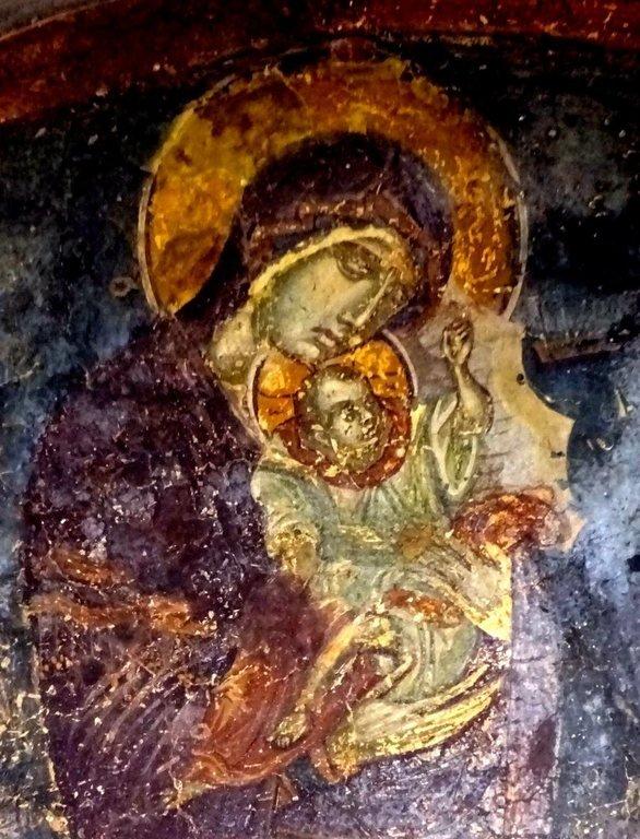 """Икона Божией Матери """"Взыграние"""" (Пелагонитисса). Фреска церкви Святого Димитрия Маркова монастыря близ Скопье, Македония. Около 1376 года."""