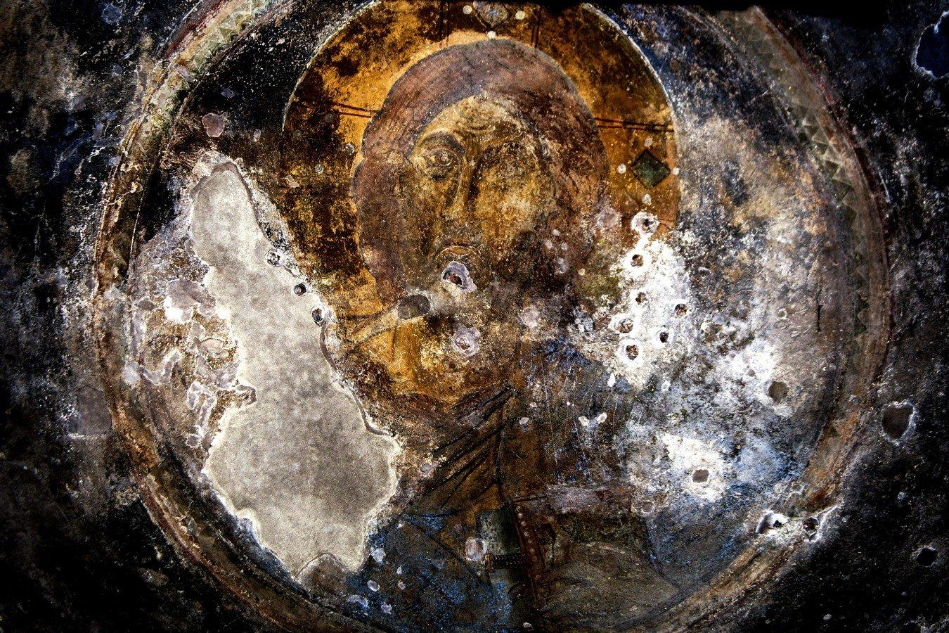 Христос Пантократор. Фреска церкви Богородицы Елеусы в Велюсе, Македония. Начало XII века.