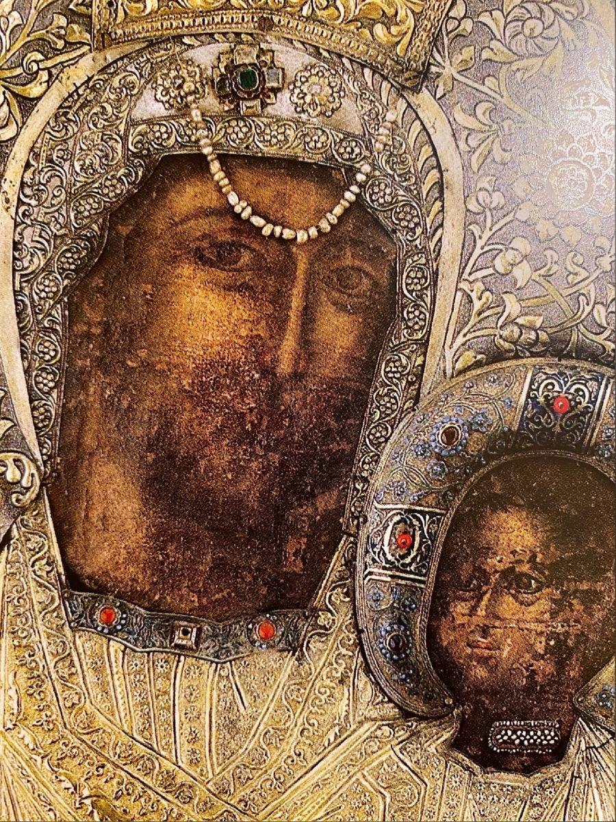 Чудотворная Ктиторская икона Божией Матери. Монастырь Ватопед на Афоне. Фрагмент.